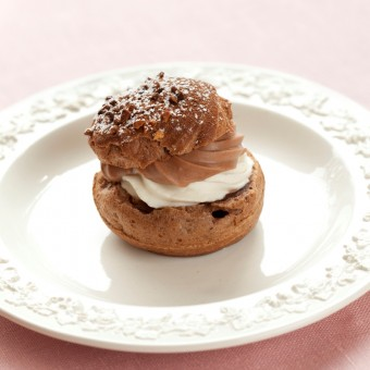 Choux_a_la_creme_chocolat_aux_fraises1.jpg